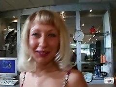 Beautiful cock sucking women