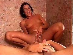 orgasm squirt