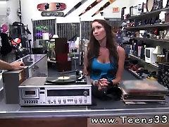 Big tits nude Vinyl Queen!