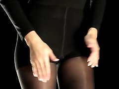 How to put on pantyhose