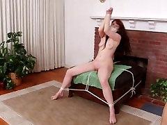 Gwens Naked Bondage Struggle