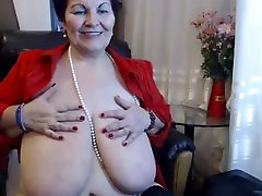 Big tit mature shows all