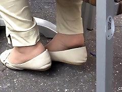 Candid mature pantyhose shoeplay