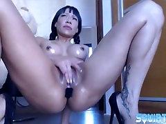 Moaning pornstar latina Lara Tinelli gets hardcore squirt