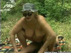 Sex picnic with mature blonde