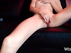 Ice Cubes in my Pussy - Amateur Teen Masturbation