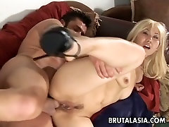 All natural blond haired Asian slut Vanity Lynn gets her holes drilled hard