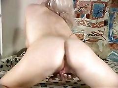 Blond Hairy Women masturbates