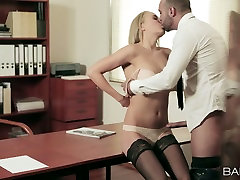 Sensual office bitch Christen Courtney gets her pussy licked on the bosss table