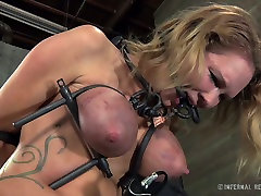 Blonde hottie with tattoos R. Degrey suffers different kinds of pain