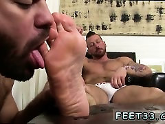 Gay foot serviced and gay bare feet bareback Hugh Hunter Wor