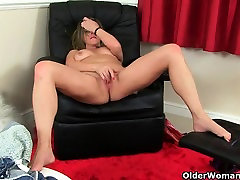 British mom Silky Thighs rubs her mature pussy