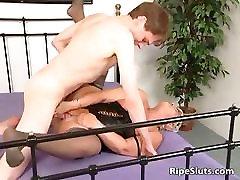 Chubby mature slut in stockings part2