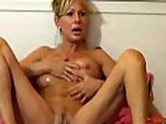 Mature With Wonderful Body Webcam Toying