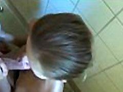 www.DearSX.com - German teen blowjob fuck cum swallow in public bathroom