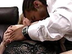 שחור גבר בוגד באשתו עם אישה ענקית