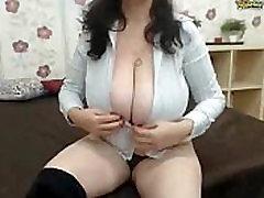 webcam - intensemature huge mature tits topless 12-09-14