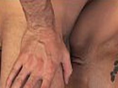 Hotty masturbates on livecam