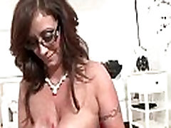 Sexy mature busty hoe gets a cumshot