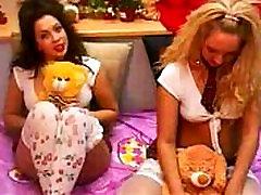 lesby girls brunette blonde webcam SexAtCams.com