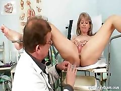 Milfs Mature Mature Alena gyno pussy real clinic. Mature pussy Alena visiting her gyno doctor at kinky gyno clinic .