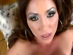 Busty MILF enjoys a great fuck in her sexy mature pussy