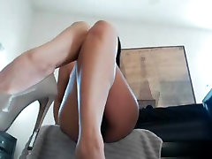 Beautiful Asian Toys On Cam