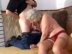 granny with slaggy boobs goes anal