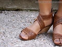 Sexy ebony feet...