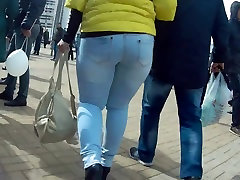 Sexy big ass milf in jeans 2