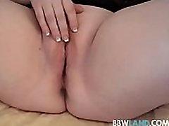 Sexy BBW Legend Sapphire Finger Fucks Herself in Amateur Video