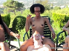 Ebonies use white guy as ashtray