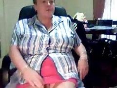 Granny on cam secretchick