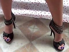 Amateur Milf Masturbating in High heels homemade video