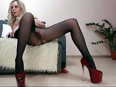 Mature lady webcam pantyhose show