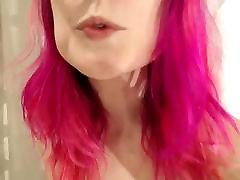 Lesbians Fuck Dildo Together On Webcam