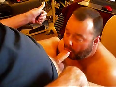 Cumming at the daddy&039;s face