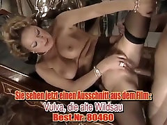 Posh mature anal fisted and fucked in the same time