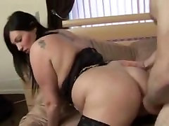 Gorgeous brunette bbw milf with huge tits in amateur porn