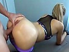 He Fucked her while working out - Badgfs.com