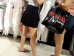 Teen sexy legs feets red toes ass in short skirt