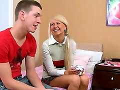 chick in shoes anal banged on the bed