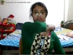 Bangladeshi sensation Julia on cam nude show 1