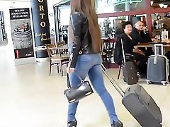 Hot babe in tight jeans walking