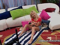 Alex Little in Sex Machine Movie - AmKingdom