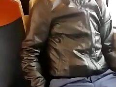 Bulge negro con pene erecto