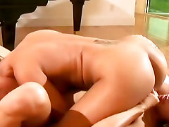 Jasmine Byre and sexy hot babe like to do 69