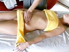 Sexy pornstar loves a remedial rub