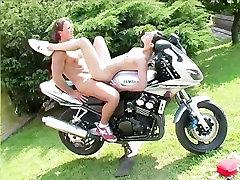 Chicks Dig Motorbikes