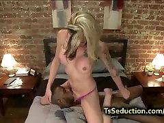 White tranny fucks black throat and ass